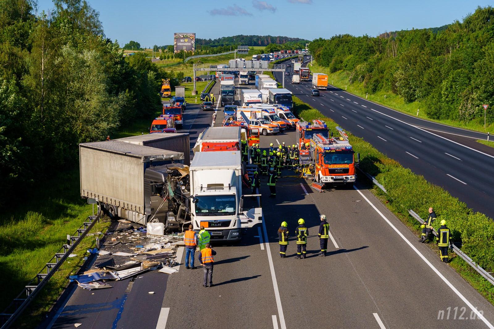 Übersicht der Unfallstelle nahe der Anschlussstelle Lauenau (Foto: n112.de/Stefan Simonsen)