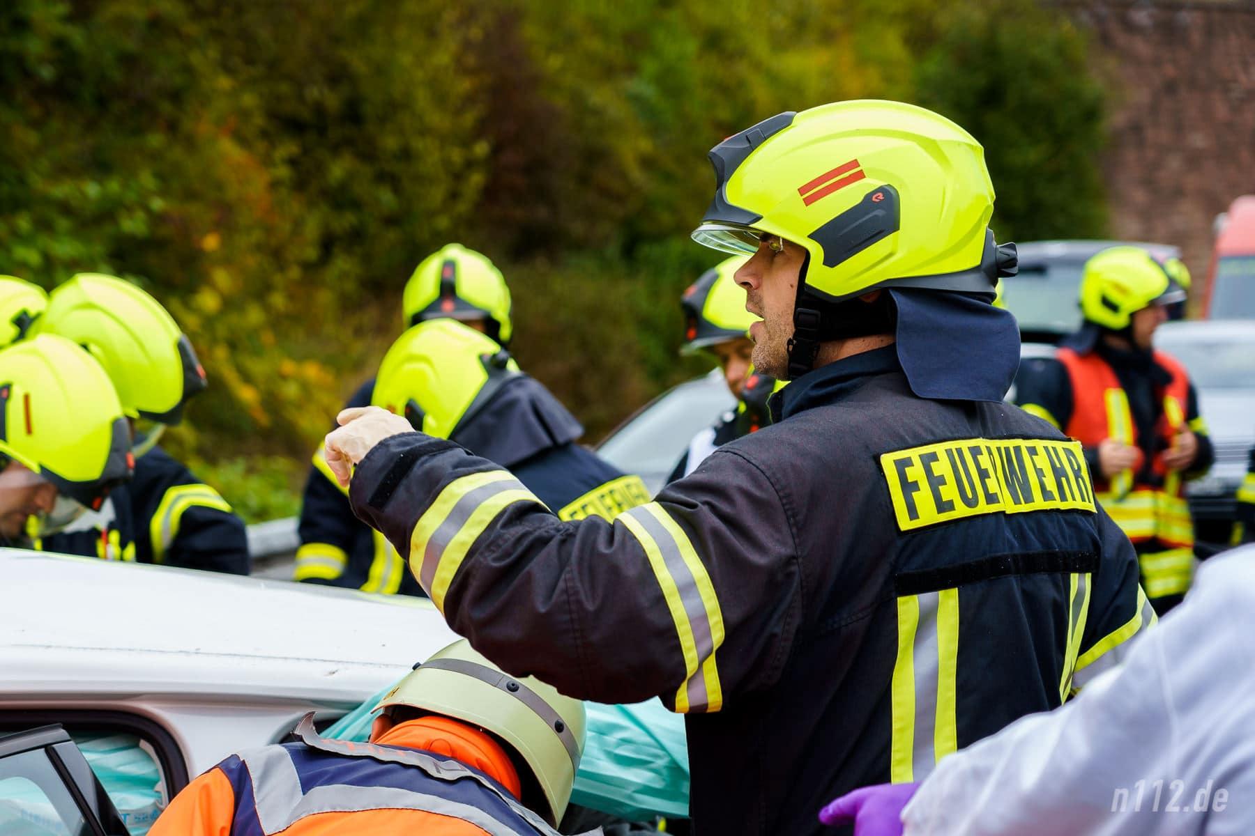 Einer koordiniert, andere helfen auf Zuruf (Foto: n112.de/Stefan Simonsen)