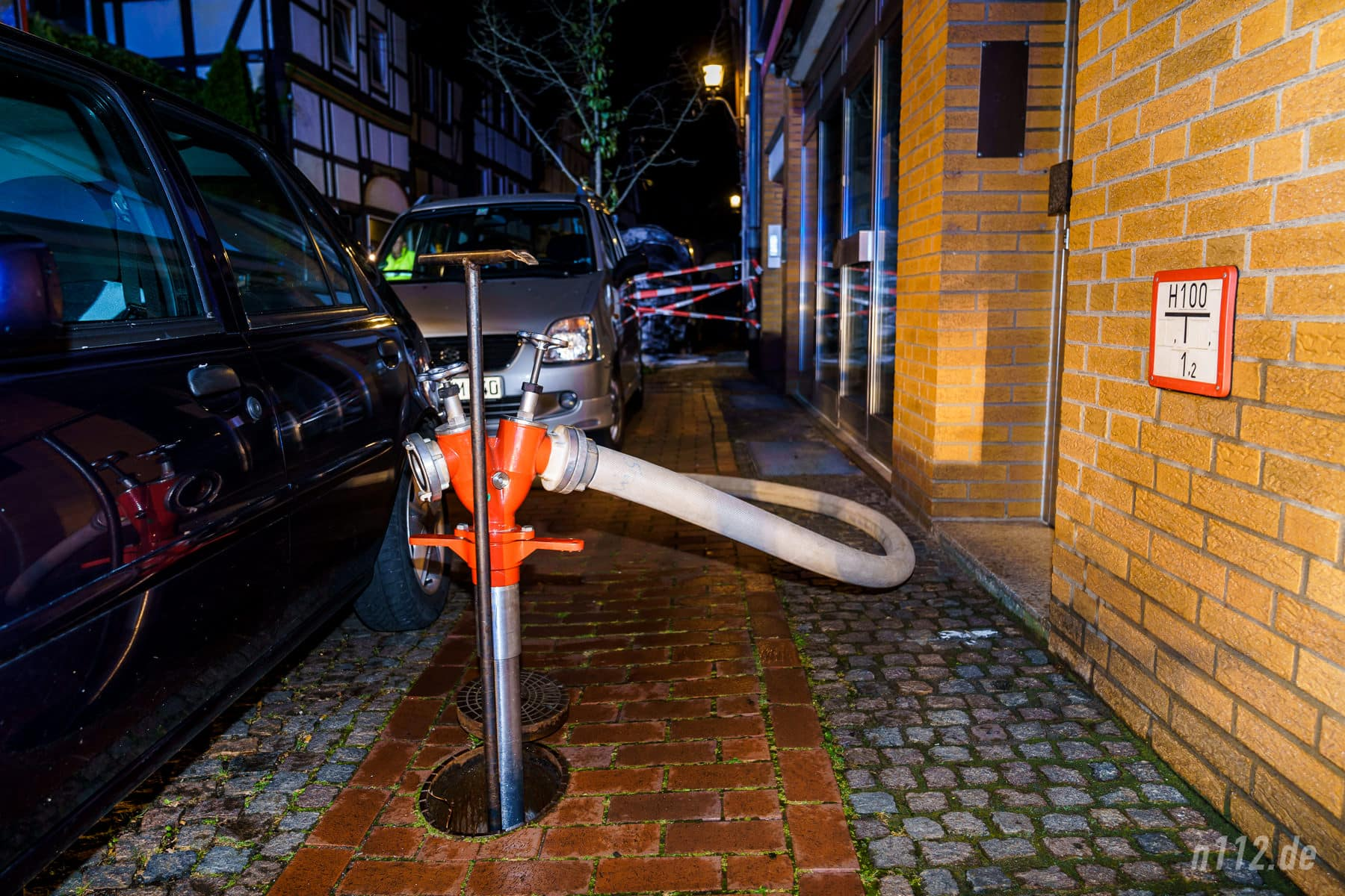 Hat man mal in der Fahrschule gelernt: Hydranten sind freizuhalten... (Foto: n112.de/Stefan Simonsen)