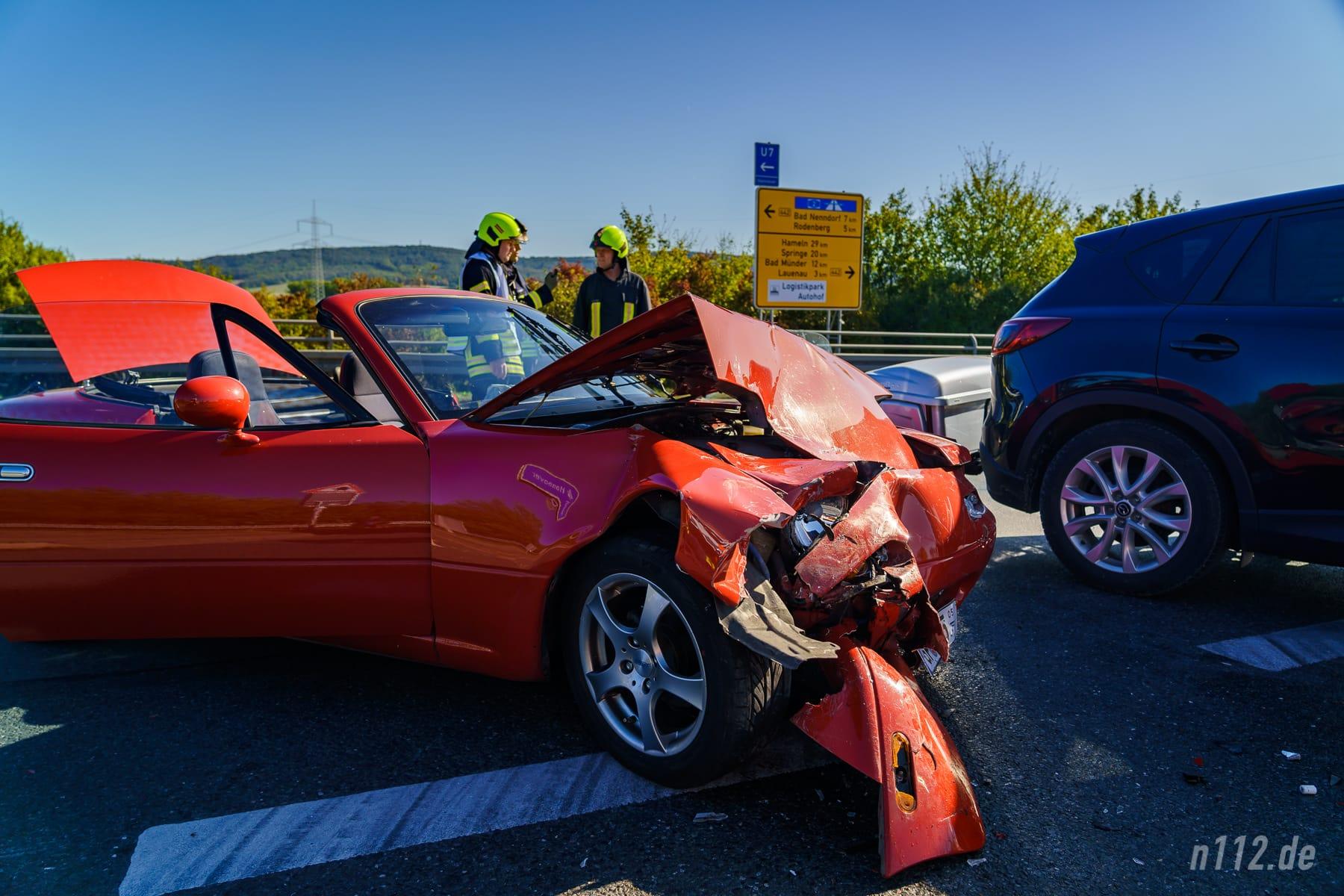 Das Mazda-Cabrio wurde erheblich beschädigt (Foto: n112.de/Stefan Simonsen)