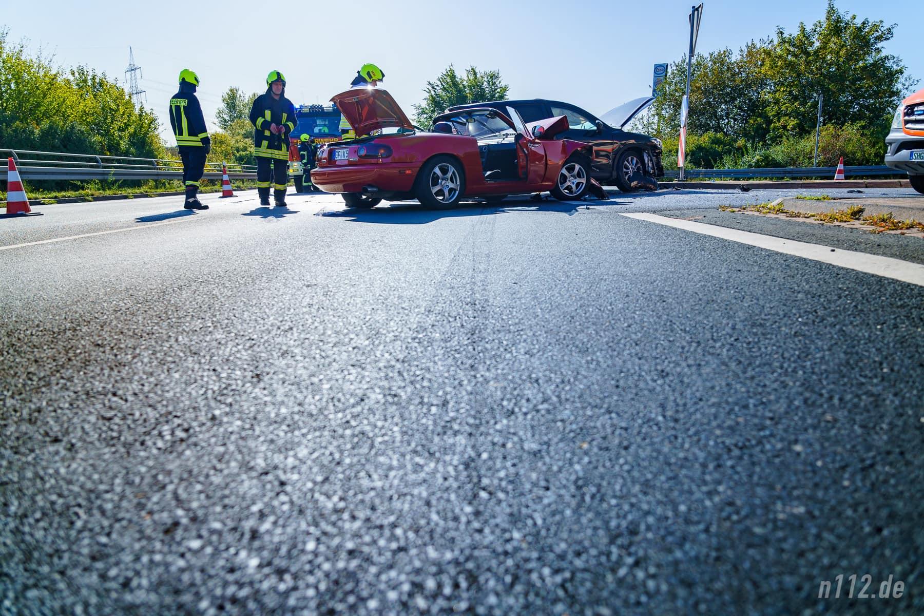 Bremsspur ohne ABS: Der Cabrio-Fahrer fuhr gegen die Sonne und hatte keine Chance mehr, rechtzeitig zum Stehen zu kommen (Foto: n112.de/Stefan Simonsen)