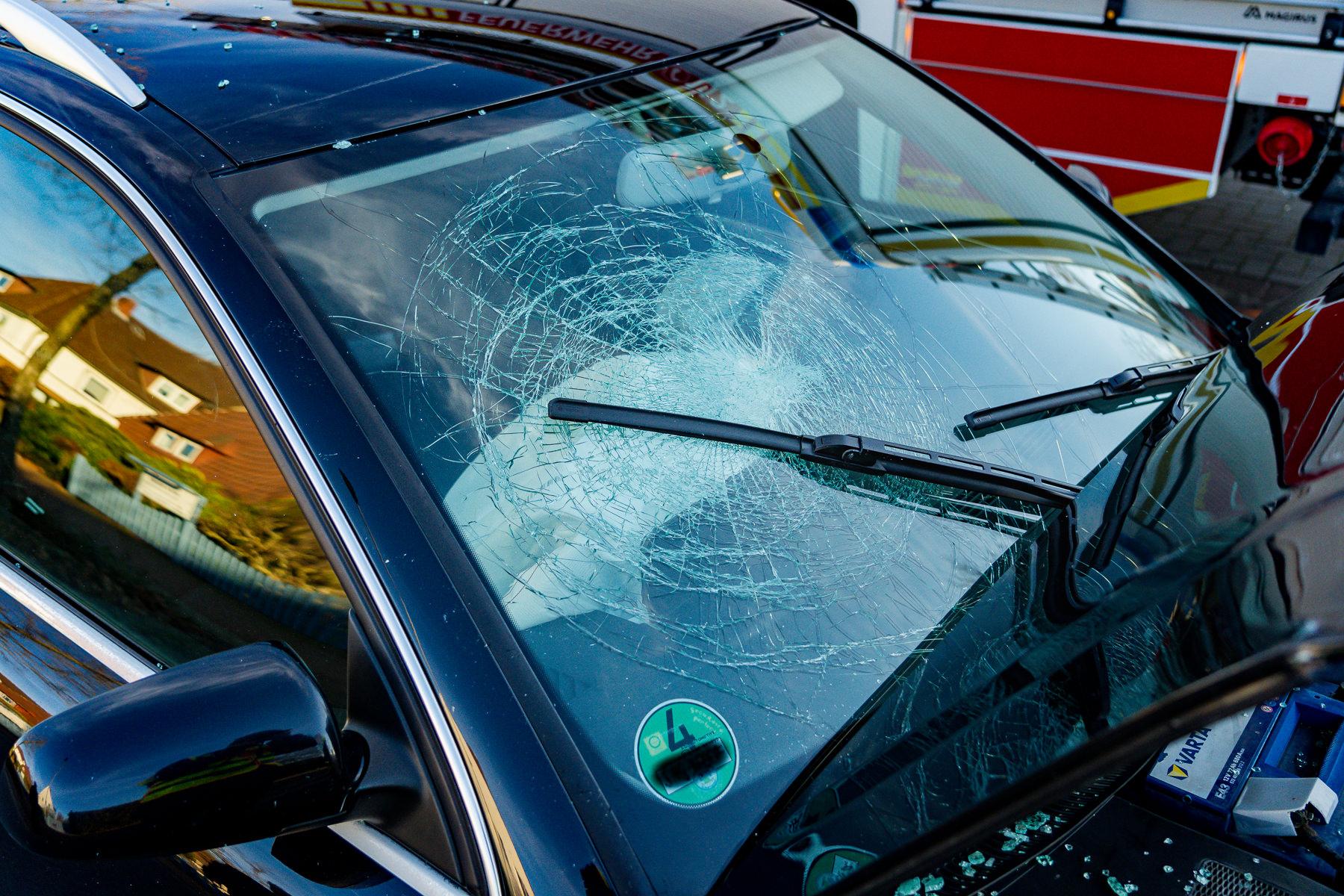 Zersplittert: Airbags haben hier stärkere Verletzungen verhindert. (Foto: n112.de/Stefan Simonsen)
